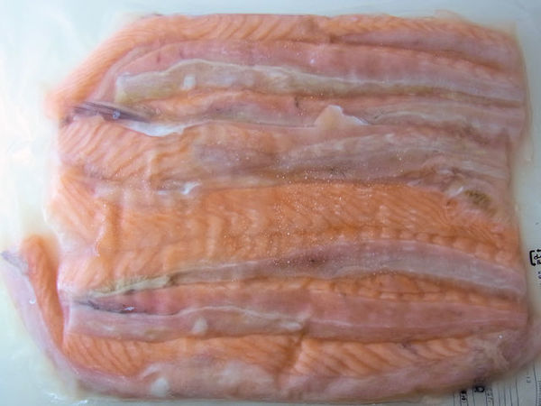大型のアトランサーモン鮭ハラス(無塩)